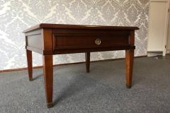 '30 salon table